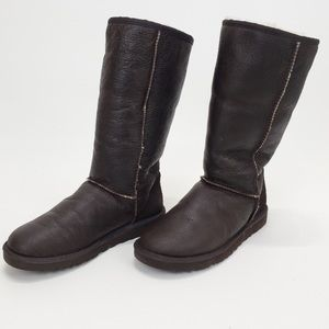Ugg Classic Tall Bomber 5804